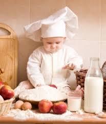 bimbo 13 mesi alimentazione alimentazione bambino 8 10 mesi tanti cibi nuovi bambino