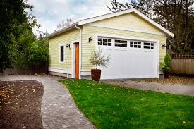 Detached Garage Pictures by Detached Vs Attached Garages Pros U0026 Cons Homeadvisor