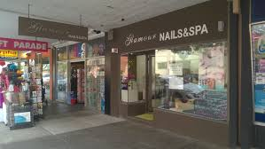 glamour nails and spa manicure nails