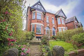 5 bedroom semi detached house for sale in eccles old road salford 5 bedroom semi detached house for sale main image
