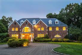 Brick Colonial House 82 Beacon Hill Lane An Elegant Brick Manor House Set High On