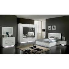 modele de chambre a coucher simple chambre à coucher modèle city laquee blanche avec armoire 2 portes