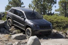 jeep grand cherokee trailhawk off road jeep grand cherokee trailhawk edition tackles the rubicon