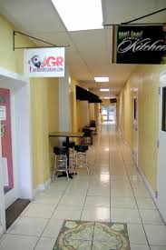 p d soul food kitchen roadfood dining facilities at p d soul food kitchen are a few tables in the hallway just outside the restaurant