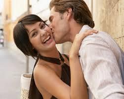 lebih bahagia jika berciuman karena sayang bukan demi seks