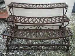etagere in ferro battuto fioriera in ferro battuto al naturale