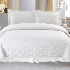 Embroidered Bedding Sets Lavish Home Andrea Embroidered Quilt Set Hayneedle