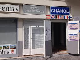 bureaux de change à comptoir de change bureau de change 69 rue royale 62100 calais