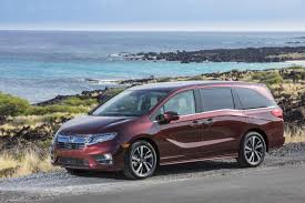 compare toyota to honda odyssey 2018 honda odyssey vs 2018 toyota the car connection
