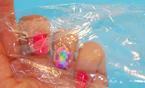 how to add accent to summer nails dry marbled nail art two ways