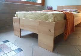 letto a legno massello letti la corte d inverno arredamento ecologico naturale la