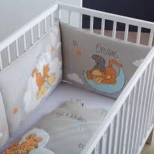 chambre bébé tigrou accueil bébé garçon tour de lit tour de lit brodé winnie et tigrou