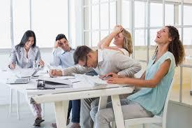 se branle au bureau que faire si mon collègue ne fait rien regionsjob