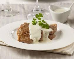 comment cuisiner un filet mignon de porc en cocotte recette filet mignon de porc crème au roquefort au four