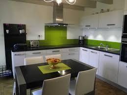 quelle couleur de credence pour cuisine blanche cuisine blanche mur vert