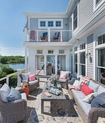 Pool And Patio Decorating Ideas by Best 25 Beach House Deck Ideas On Pinterest Beach House