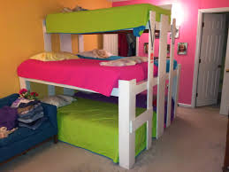 Small Bedroom Three Beds The Benefits Of Room Sharing Messymom