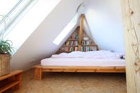 wohnideen schlafzimmer dach schrg modernes haus schlafzimmer unterm dach gestalten wohnideen