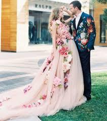 brautkleid weiãÿ 15 brautkleider für bräute die nicht in weiß heiraten wollen
