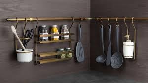 rangement ustensiles cuisine des rangements malins pour agrandir les petites cuisines
