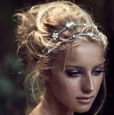 Hochsteckfrisurenen Hochzeit Mit Haarreif by Hochzeitsblog Optimalkarten Wir Teilen Euch Die Einladungskarten