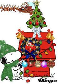 snoopy dog house christmas decorating the dog house a snoopy dog houses