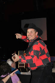 leave a light on garth brooks how a garth brooks impersonator became a myrtle beach missionary