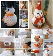 pupazzo di neve con bicchieri di plastica natale pinterest