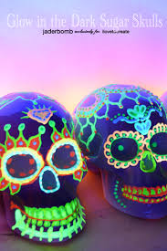 glow in the dark sugar skull ilovetocreate