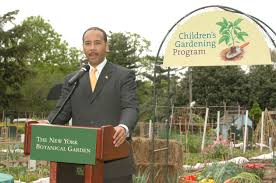 family gardening borough president helps launch vegetable gardening season plant talk