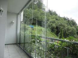 balkon wetterschutz balkon reihenhaus wintergarten terrassenüberdachung glashaus
