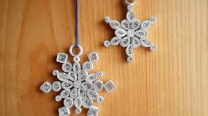 make beautiful quilled snowflake decorations diy crafts