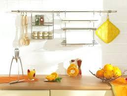 barre de rangement cuisine barre de rangement cuisine pose barre de credence cuisine cracdences