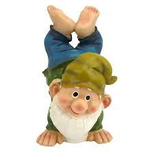 amazon com design toscano handstand henry the garden gnome
