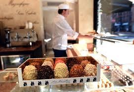 la cuisine de fred meringue specialist aux merveilleux de fred is ny s best bakery