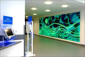 Architectural Glass Panels Design Glass Panels Help Soothe Pediatric Patients Urbanglass