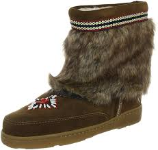 minnetonka embellished fringed suede boots minnetonka womens