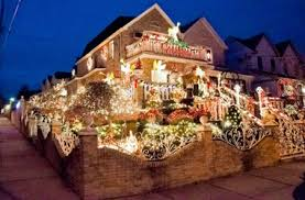 who has the best christmas decorations in dyker heights
