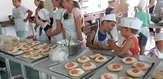 atelier enfant cuisine la cuisine pour redonner goût à la vie à des enfants placés