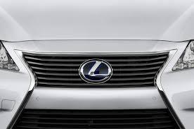 used 2015 lexus es 300h 2015 lexus es350 reviews and rating motor trend