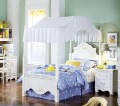 Girls Canopy Bedroom Sets Best 25 Canopy Bedroom Sets Ideas On Pinterest Victorian Bed
