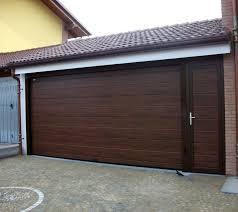 portoni sezionali prezzi idee e foto di garage in stile rustico per ispirarti habitissimo