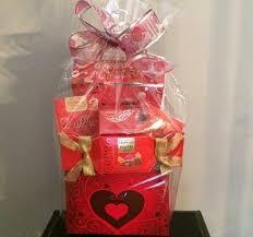 Valentine S Day Gift Baskets Valentines Day Flower Specials Oakville U2013 Pretty In Flowers Oakville