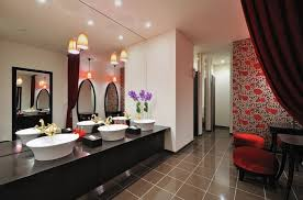 badezimmer rot rot im badezimmer 21 ideen mit intensiven rottönen