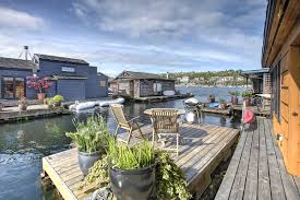 Airbnb Seattle Houseboat Seattle Houseboats Market Floating Homes On Portage Bay And Lake