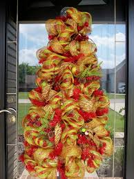 Christmas Tree Wreath Form - 87 best christmas tree wreaths u0026 decorations images on pinterest