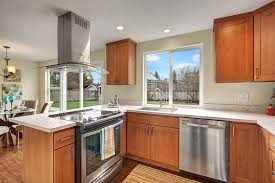 what color countertops go with maple cabinets nice good color for small bathroom 10 pecan maple cabinets with