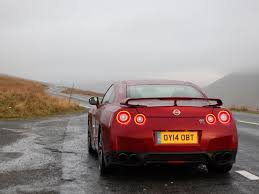 Nissan Gtr Red - nissan gt r my14 review pistonheads