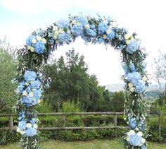 wedding arch kent white and blue wedding at chafford park kent countryside