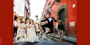 vogue us paradise found a wedding at a lavish home in san miguel